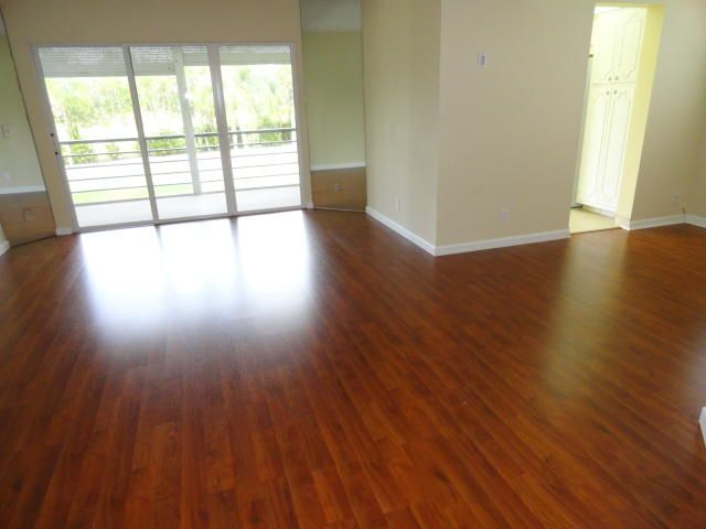 Additional photo for property listing at 3661 Via Poinciana 3661 Via Poinciana Lake Worth, Florida 33467 États-Unis