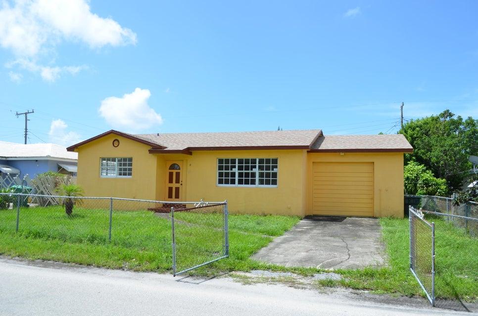 111 W 35th Street, Riviera Beach, FL 33404