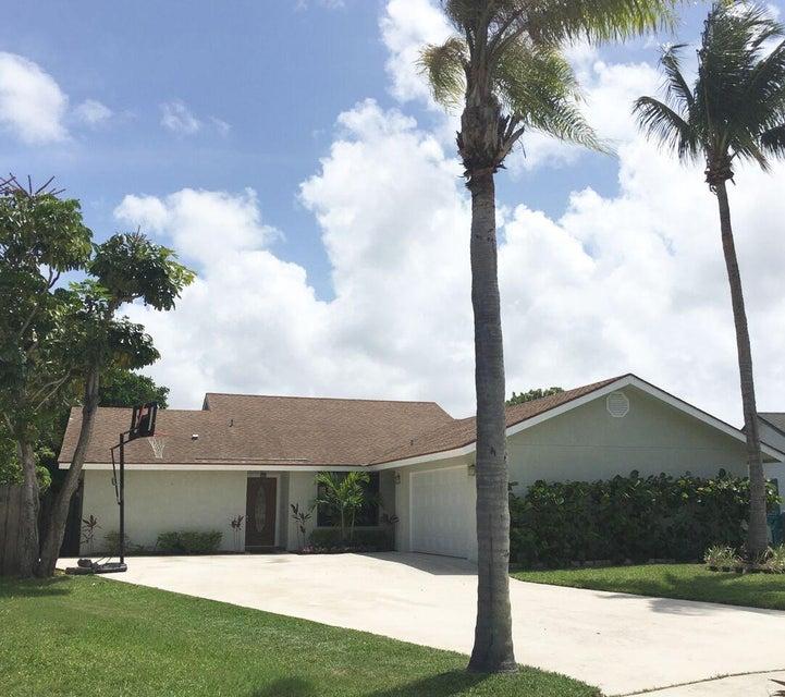 23 Las Flores, Boynton Beach, FL 33426