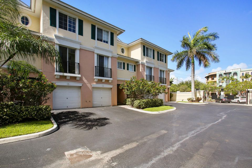 245 NE 2nd Street 5-D, Delray Beach, FL 33444