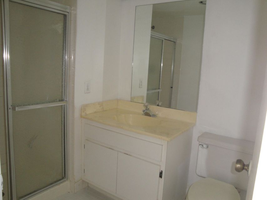 Additional photo for property listing at 5 Stratford Drive 5 Stratford Drive 博因顿海滩, 佛罗里达州 33436 美国