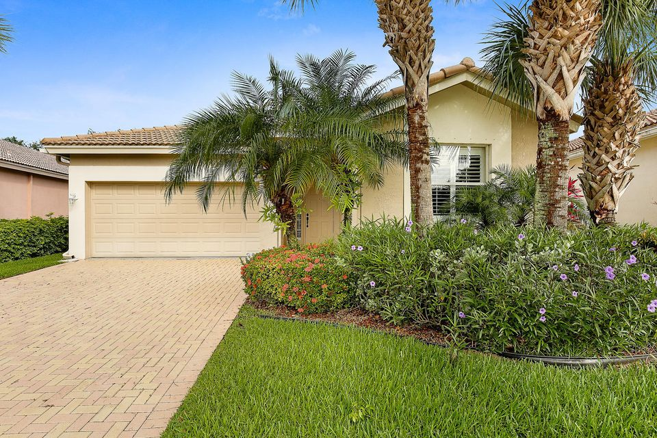 9198 Bay Point Circle, West Palm Beach, FL 33411
