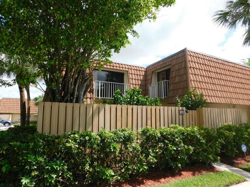 872 Blue Ridge Circle, West Palm Beach, FL 33409