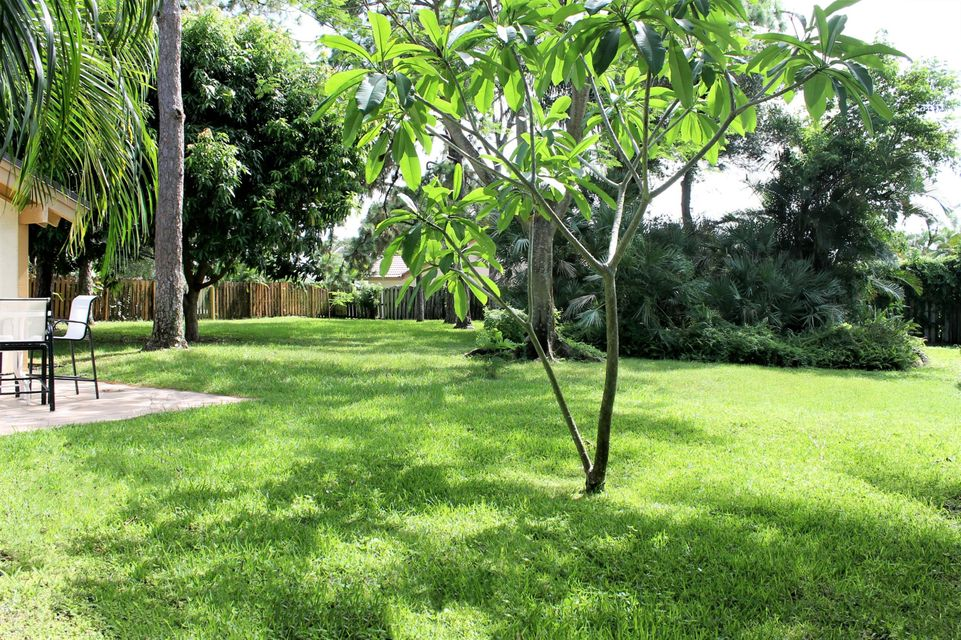 Additional photo for property listing at 1321 SW 20th Street 1321 SW 20th Street Boca Raton, Florida 33486 United States
