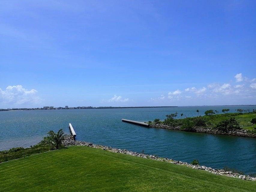 4 Harbour Isle Drive E 304, Hutchinson Island, FL 34949