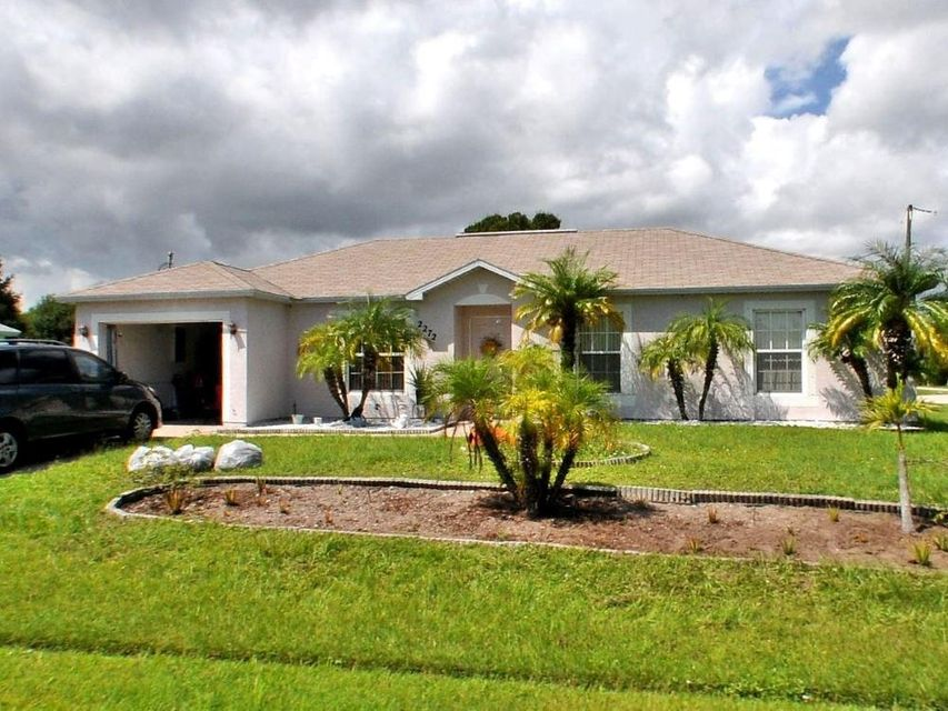 Single Family Home for Sale at 2272 SE Lucca Street 2272 SE Lucca Street Port St. Lucie, Florida 34952 United States