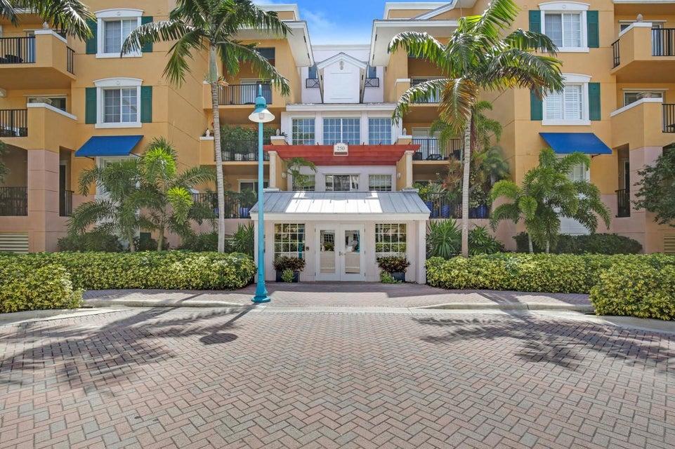 250 NE 3rd Avenue 1-207, Delray Beach, FL 33444