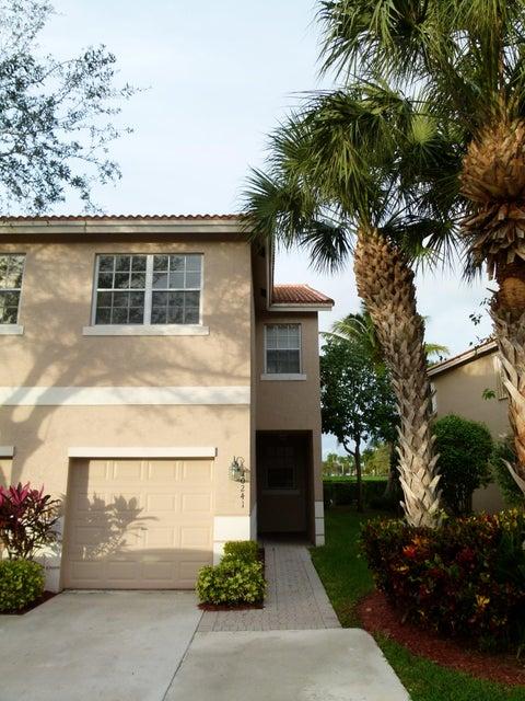 10241 Via Hibiscus, Boca Raton, FL 33428