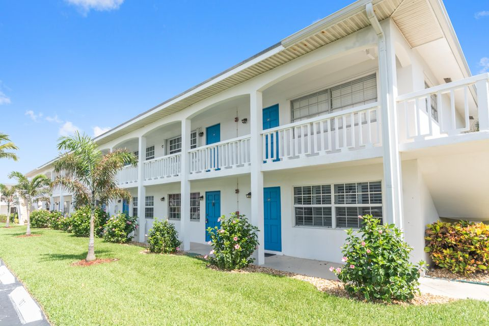 Co-op / Condo للـ Sale في 5505 N Ocean Boulevard 5505 N Ocean Boulevard Ocean Ridge, Florida 33435 United States