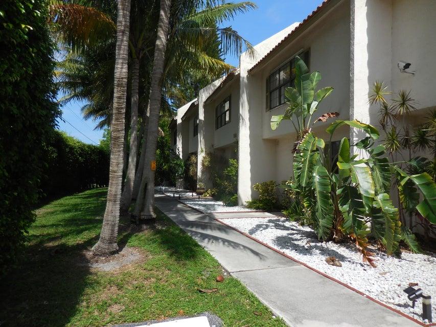 Townhouse for Sale at 200 Avenue L 200 Avenue L Delray Beach, Florida 33483 United States