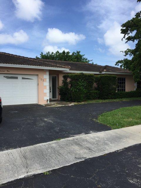 102 St Cloud Lane, Boca Raton, FL 33431