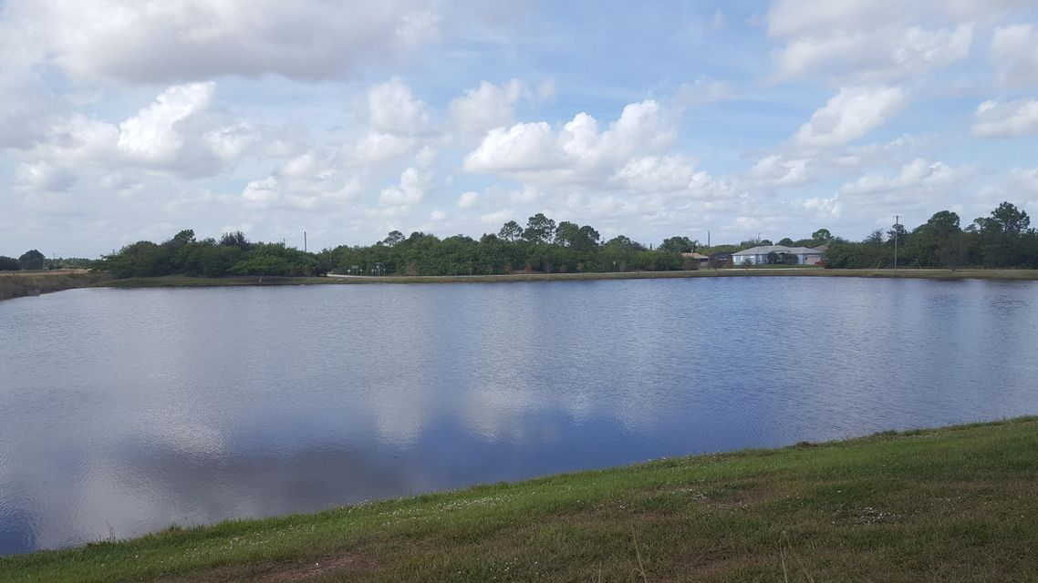 Additional photo for property listing at 4694 SW Obelisk Street 4694 SW Obelisk Street Port St. Lucie, Florida 34953 Estados Unidos