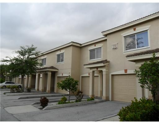 270 Crestwood Circle 207, Royal Palm Beach, FL 33411