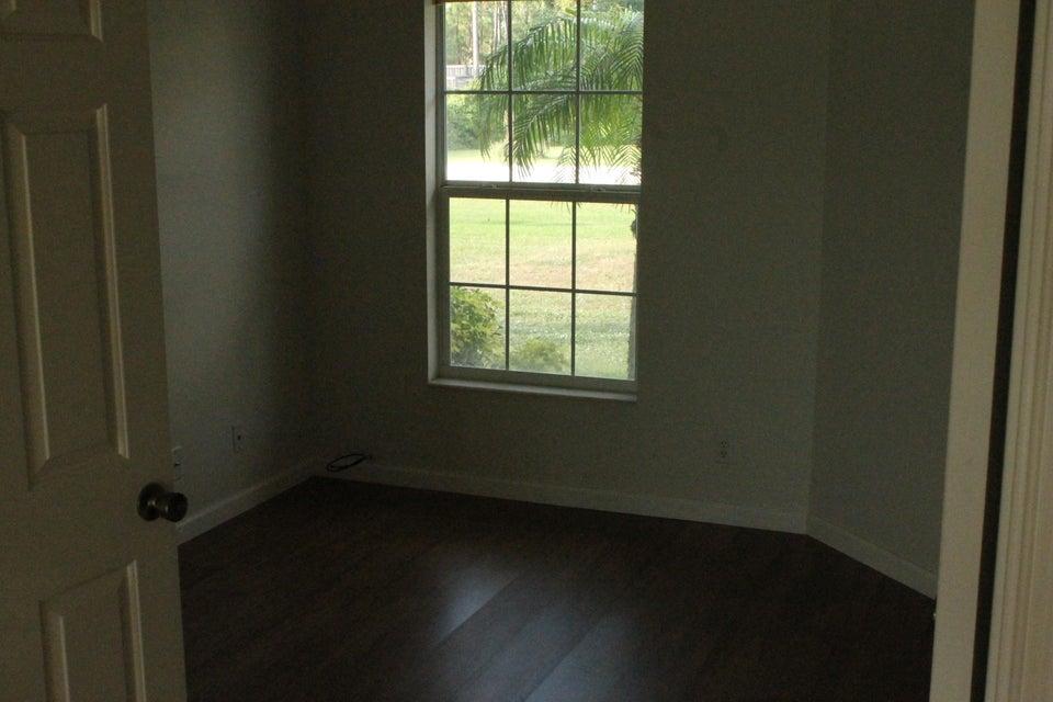 Additional photo for property listing at 12858 N 61st Street N 12858 N 61st Street N West Palm Beach, Florida 33412 États-Unis