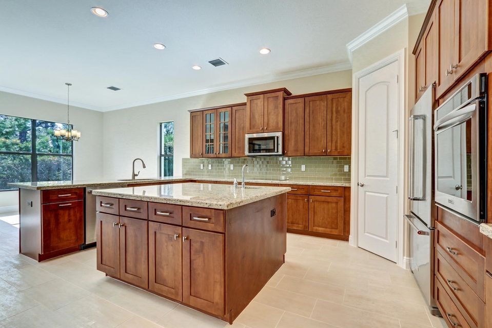 Additional photo for property listing at 1069 NE Savannah Oaks Way 1069 NE Savannah Oaks Way Jensen Beach, 佛罗里达州 34957 美国