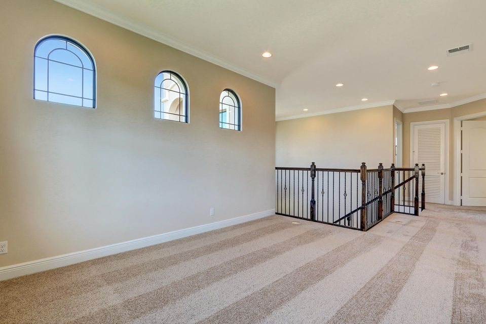 Additional photo for property listing at 1069 NE Savannah Oaks Way 1069 NE Savannah Oaks Way Jensen Beach, Florida 34957 Estados Unidos