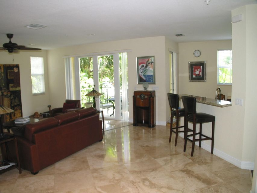 Additional photo for property listing at 3250 NE 13th Street 3250 NE 13th Street Pompano Beach, Florida 33062 United States