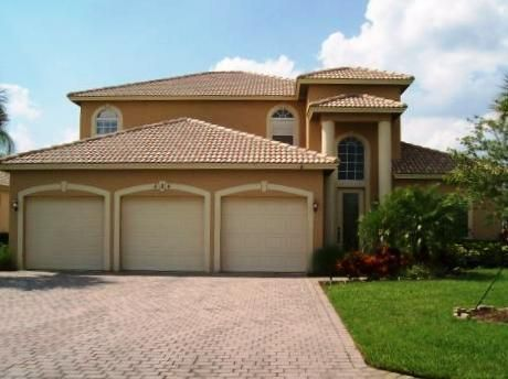 واحد منزل الأسرة للـ Sale في 524 NW Waverly Circle NW Port St. Lucie, Florida 34983 United States