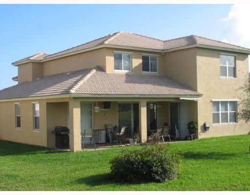 Additional photo for property listing at 524 NW Waverly Circle NW  Port St. Lucie, Florida 34983 United States