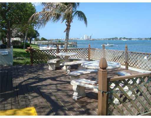 5600 N Flagler Drive 2110, West Palm Beach, FL 33407