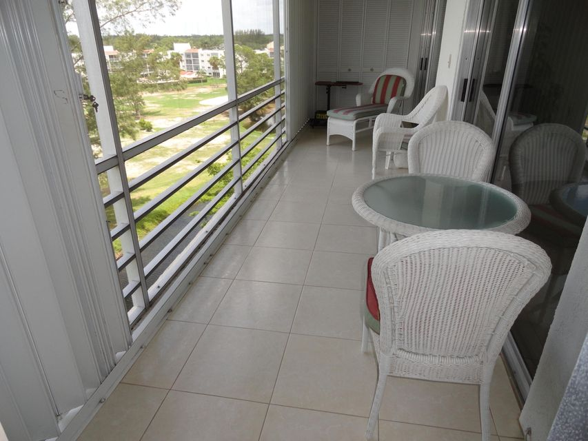 Additional photo for property listing at 3465 Via Poinciana  Lake Worth, 佛罗里达州 33467 美国