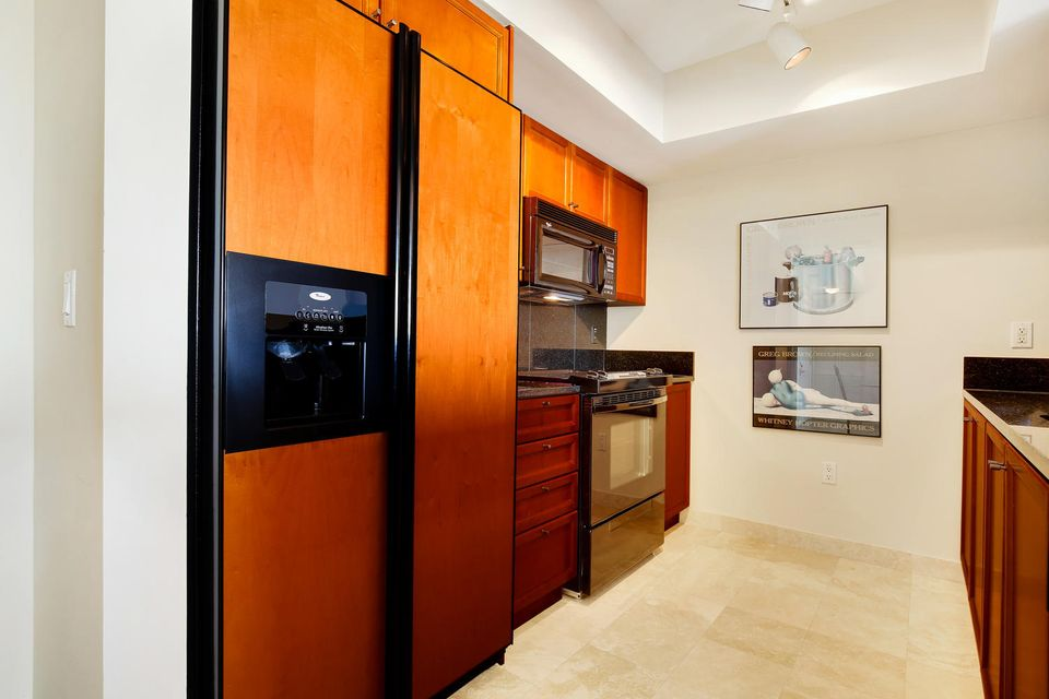 Additional photo for property listing at 99 SE Mizner Boulevard  Boca Raton, Florida 33432 United States