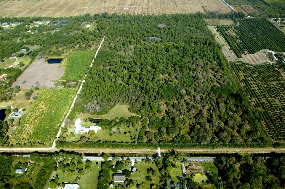 Agricultural Land 为 销售 在 N Road N Road Loxahatchee Groves, 佛罗里达州 33470 美国