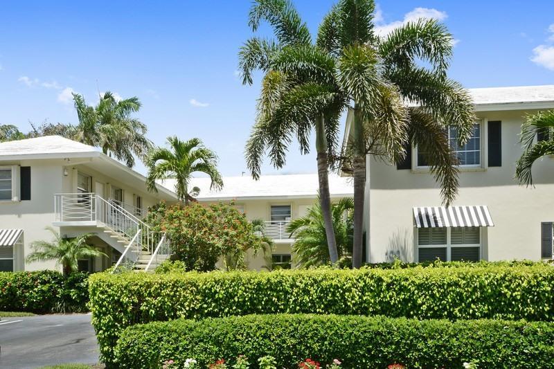 Cooperativa / condomínio para Venda às 100 Venetian Drive 100 Venetian Drive Delray Beach, Florida 33483 Estados Unidos