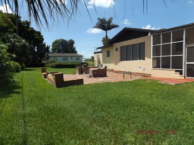 Additional photo for property listing at 37050 1st Street  Canal Point, Florida 33438 Vereinigte Staaten