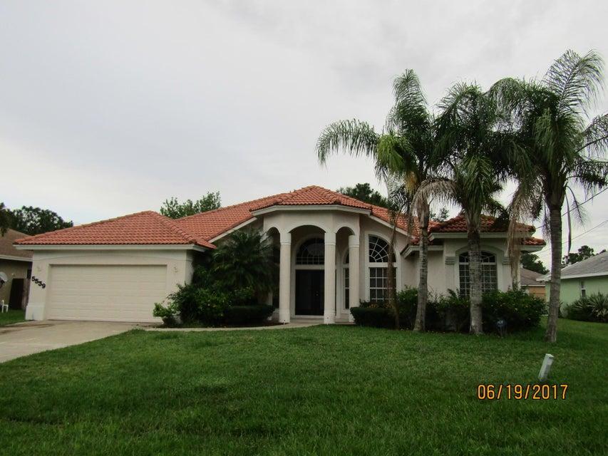 5539 NW Cordrey Street, Port Saint Lucie, FL 34986