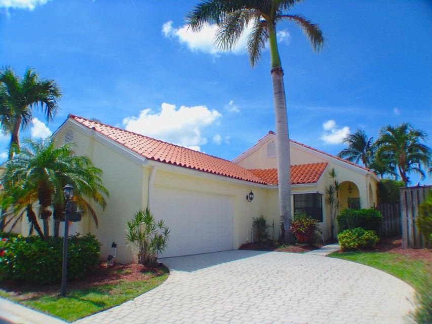 2591 La Lique Circle, Palm Beach Gardens, FL 33410