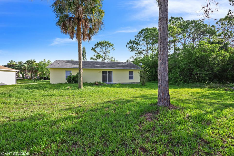 Additional photo for property listing at 160 Brescia Street NE  Palm Bay, Florida 32907 United States