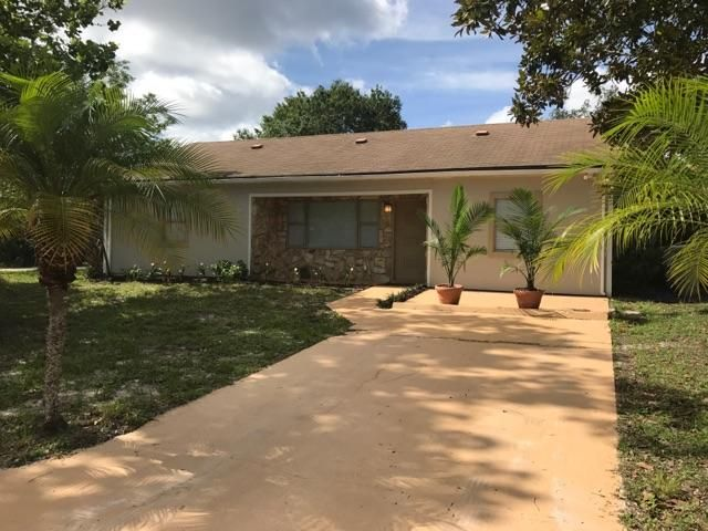 Single Family Home for Sale at 8795 101st Court Vero Beach, Florida 32967 United States