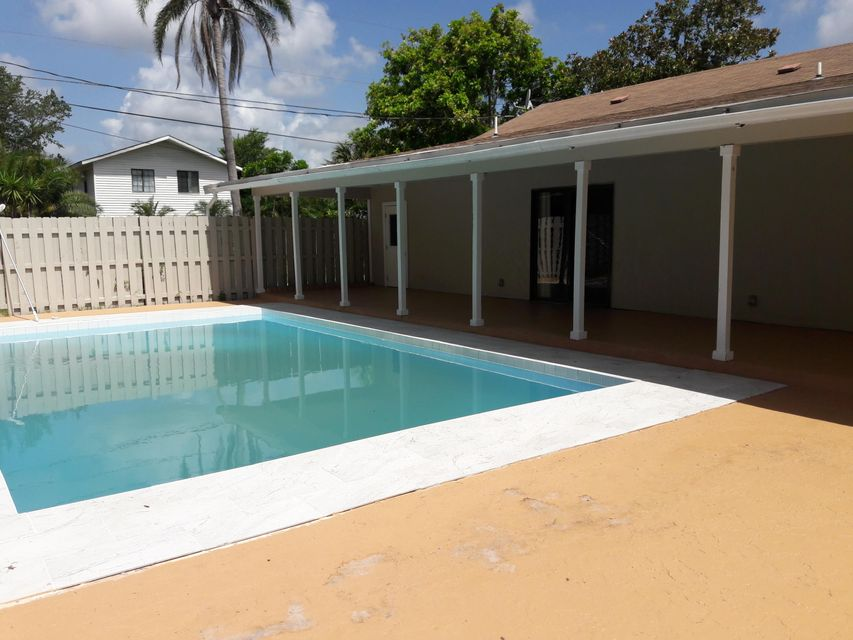 Additional photo for property listing at 8795 101st Court  Vero Beach, Florida 32967 United States
