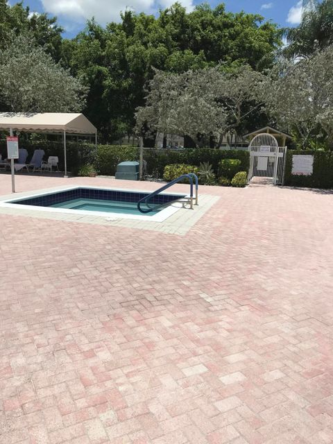 Additional photo for property listing at 8943 Windtree Street  Boca Raton, Florida 33496 United States