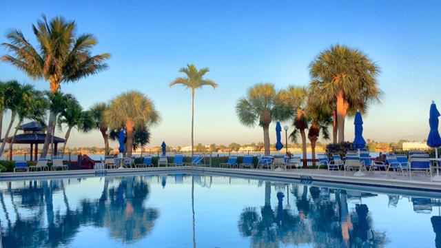 Additional photo for property listing at 110 Half Moon Circle  Hypoluxo, Florida 33462 Estados Unidos