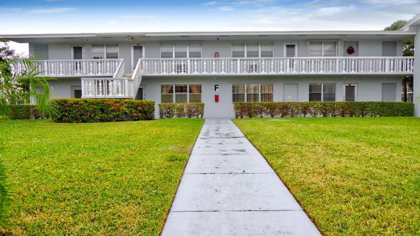 Additional photo for property listing at 122 Easthampton F 122 Easthampton F West Palm Beach, Florida 33417 United States