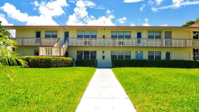 Co-op / Condo for Sale at 122 Easthampton F 122 Easthampton F West Palm Beach, Florida 33417 United States