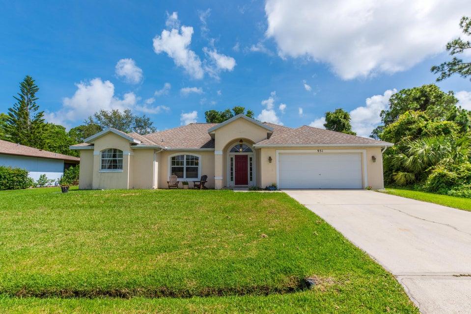 Casa Unifamiliar por un Venta en 931 SE Belfast Avenue 931 SE Belfast Avenue Port St. Lucie, Florida 34983 Estados Unidos