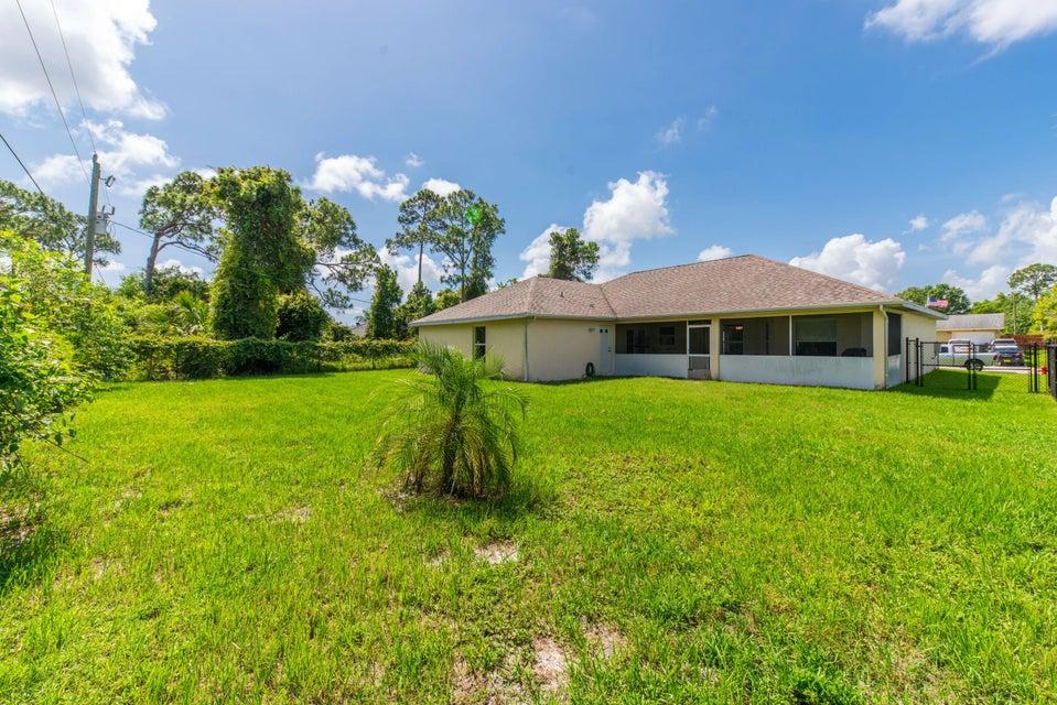 Additional photo for property listing at 931 SE Belfast Avenue 931 SE Belfast Avenue Port St. Lucie, Florida 34983 Estados Unidos
