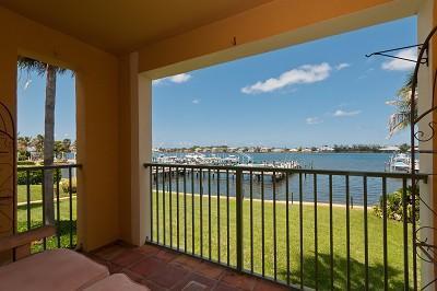 167 Yacht Club Way 208, Hypoluxo, FL 33462
