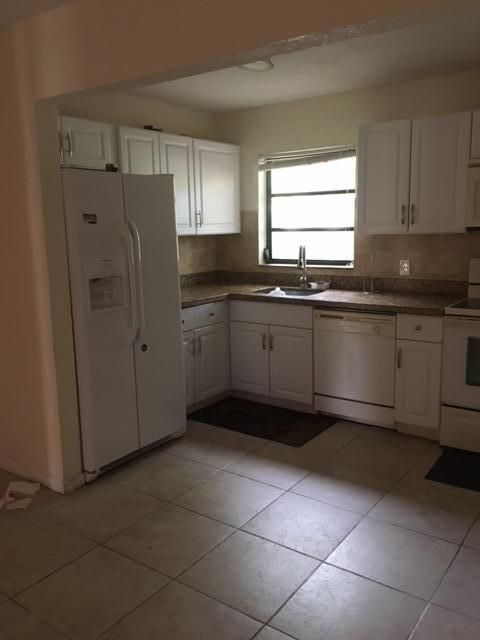 Additional photo for property listing at 50 SE 12th Street  Boca Raton, Florida 33432 Estados Unidos