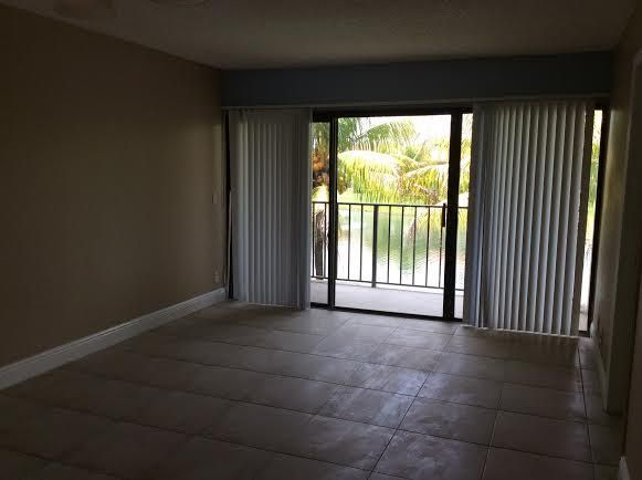 Additional photo for property listing at 1513 Lake Crystal Drive 1513 Lake Crystal Drive West Palm Beach, Florida 33411 United States