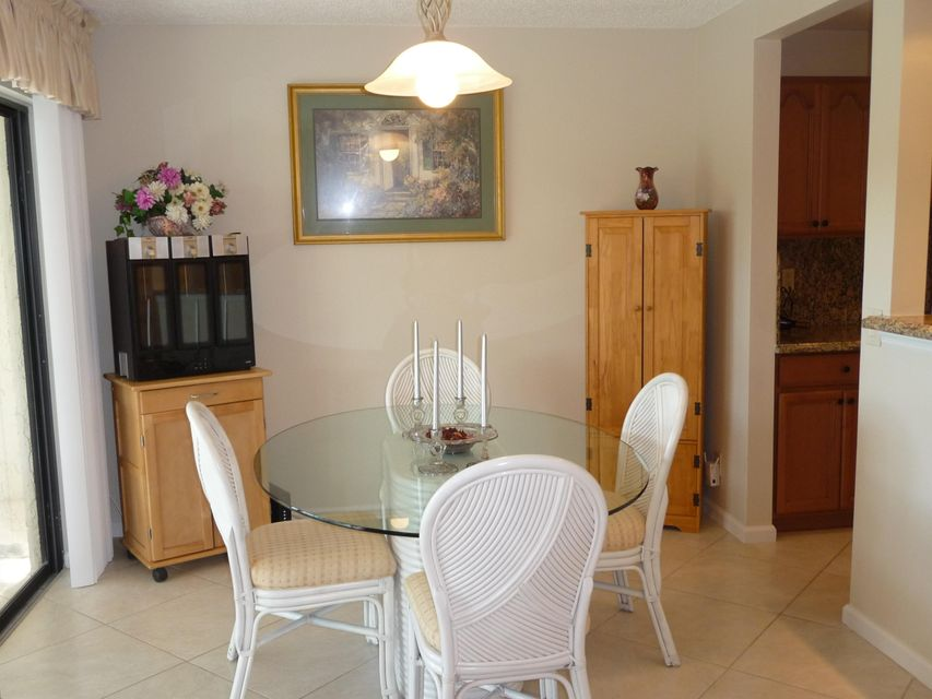 Additional photo for property listing at 22 Lexington Lane 22 Lexington Lane Palm Beach Gardens, Florida 33418 United States