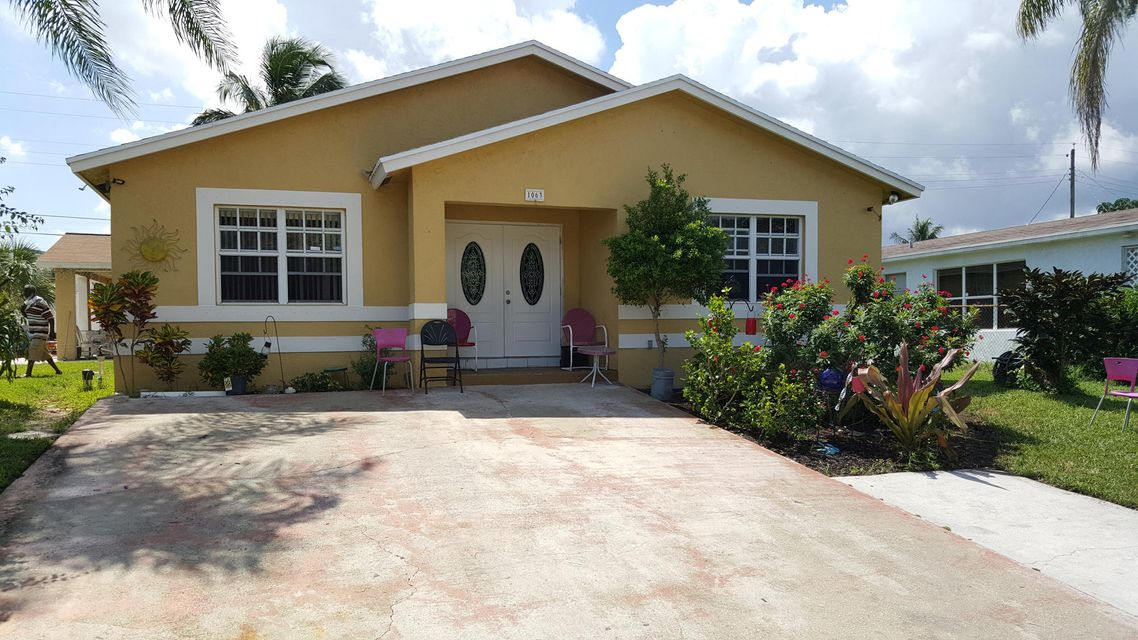 1063 W 26th Street, Riviera Beach, FL 33404