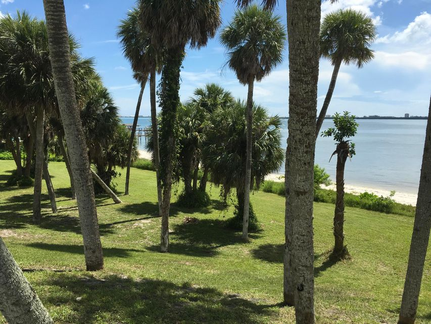 Additional photo for property listing at 1609 S Indian River Drive 1609 S Indian River Drive Fort Pierce, Florida 34950 Vereinigte Staaten
