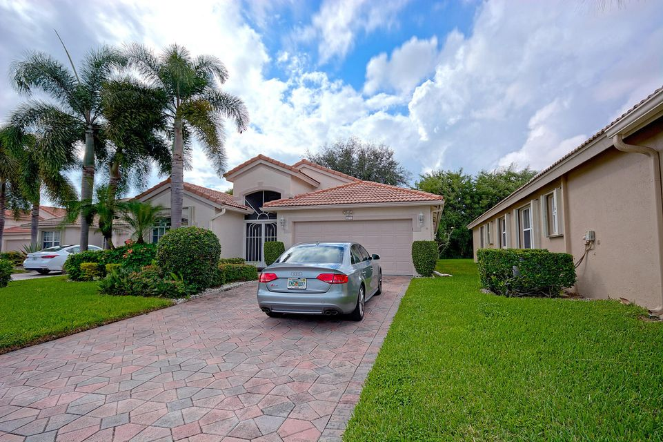 5976 Royal Club Drive, Boynton Beach, FL 33437