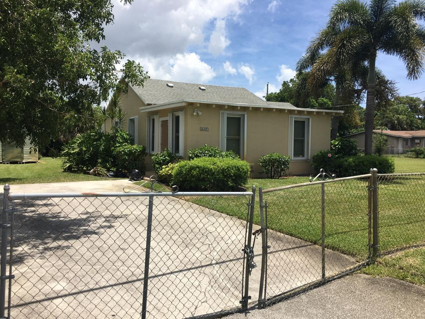 4607 Cole Street, West Palm Beach, FL 33417