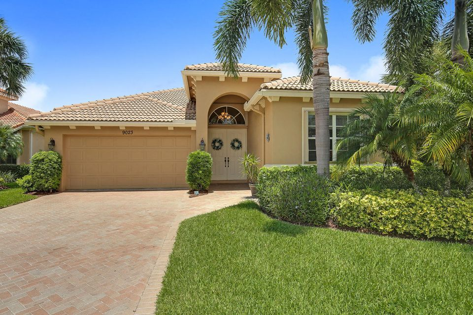 9023 Short Chip Circle, Saint Lucie West, FL 34986