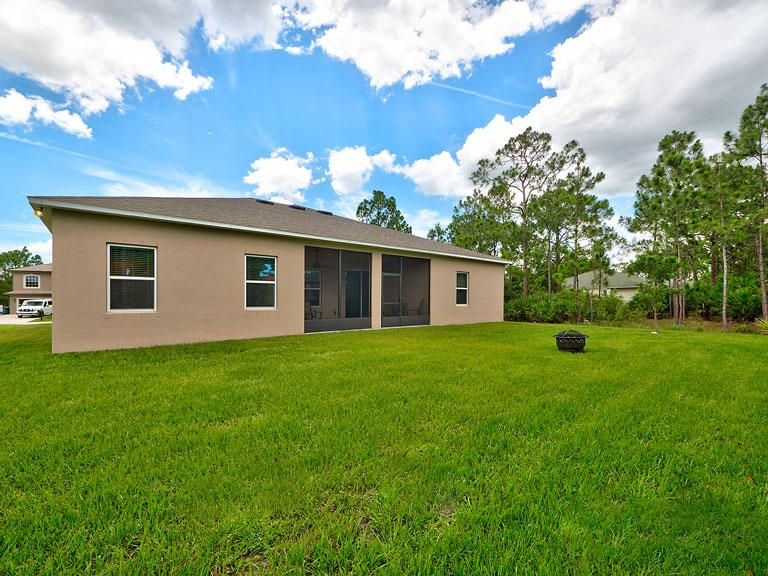 Additional photo for property listing at 5943 NW Cowry Street 5943 NW Cowry Street Port St. Lucie, Florida 34986 États-Unis